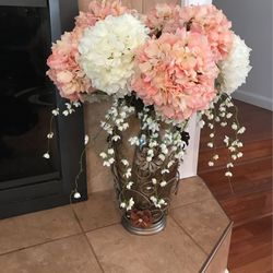 Decorative Artificial Flowers And Glass Vase for Sale in Federal Way,  WA