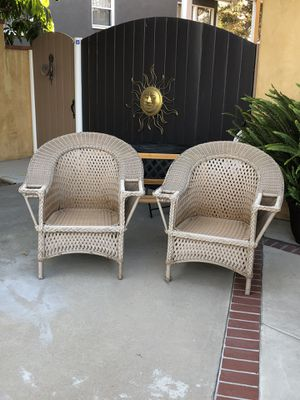 Set of chairs great looking for Sale in Long Beach, CA