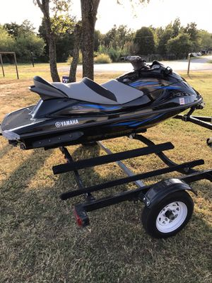 2014 Yamaha WaveRunner VX cruiser 3 seater Sell or trade for Sale in Joshua, TX
