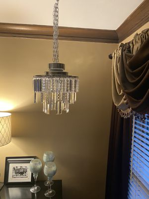"""14"""" Battery Operated Crystal Pendant Light for Sale in La Grange Park, IL"""