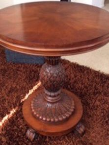 Ethan Allen Wood Accent Table Like Very Good No Delivery No Shipping for Sale in Irvine,  CA