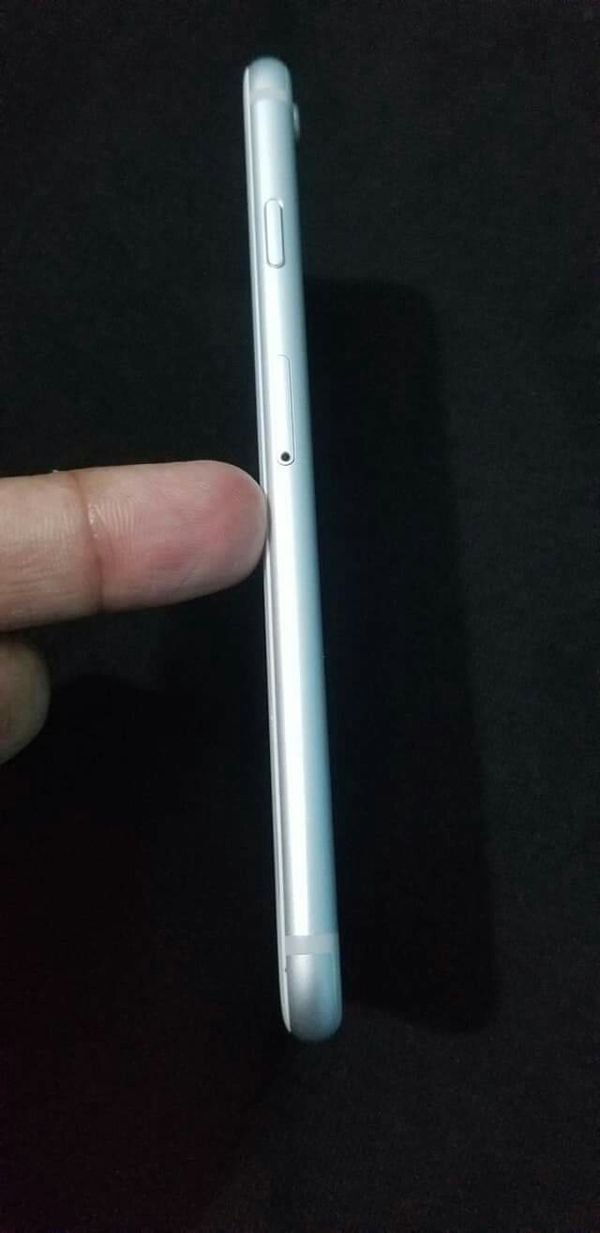 Iphone 6S, Factory Unlocked,, Excellent Condition. Almost New..
