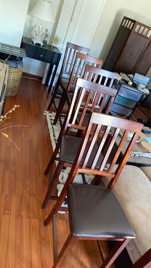 Brown clean kitchen chairs for Sale in Costa Mesa, CA