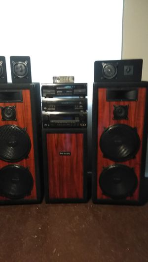 Pro studios 9 pieces + remote very good condition no dings cannot deluver for Sale in Bulger, PA