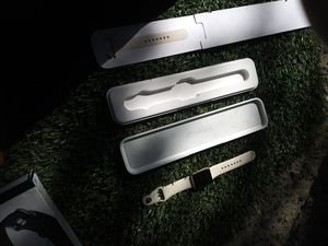 Apple iWatch sport/ Fitbit versa for Sale in Seattle, WA