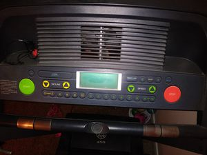 Golds Gym 450 Treadmill for Sale in West Warwick, RI