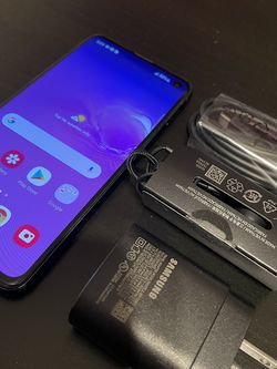 Samsung S10e Blue Unlocked for Sale in Los Angeles,  CA