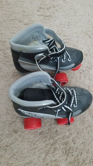 Derby roller skates size 1 for Sale in Livermore, CA