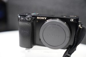 Sony a6000 body only with extra battery and apps for Sale in The Bronx, NY