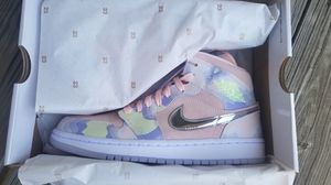 AIR JORDAN 1 MID P(HER)SPECTIVE SIZE 8 WOMENS for Sale in Shawnee, KS