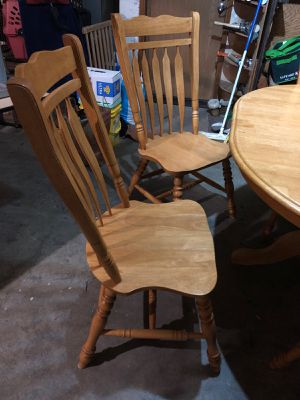 Table and chairs for Sale in Kingston, WA