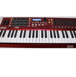 AKAI MAX 49 (MUSIC PRODUCER KEYBOARD) MINT CONDITION $200 for Sale in Woolwich Township, NJ