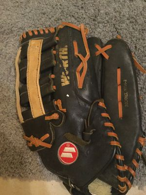 Softball glove for Sale in Pembroke Pines, FL