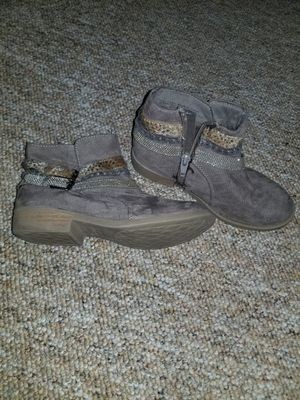 (2) Girls Size 1 Winter Style Boots for Sale in Norwalk, CT