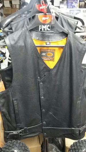 Motorcycle leather vest size large brand new for Sale in Los Angeles, CA