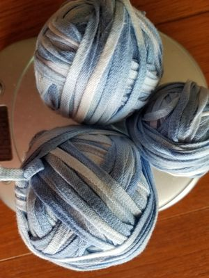Blue and White Thick Yarn 5 oz for Sale in ROXBURY CROSSING, MA