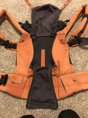 Lille 6 way carrier for Sale in Plano, TX