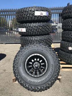 Method Race Wheels MR 304 Double Standard with BFG KM3 M/T Tires for Sale in Montclair,  CA