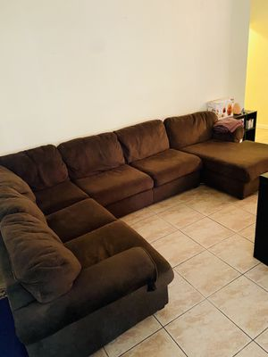 Brown 3 piece Sectional for Sale in Casselberry, FL