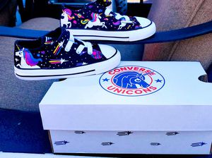 Chuck Taylor All Star Unicons Hook and Loop Low Top for Sale in Occoquan, VA