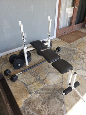 Workout bench and weights for Sale in Kailua-Kona, HI