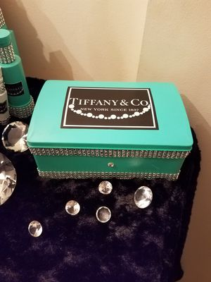 Tiffany tin storage decor for Sale in Wilsonville, OR
