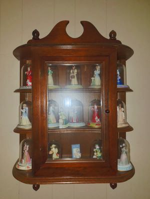 Antique MRS P.F. ALBEE porcelain figurines & showcase cabinet PERFECT COND for Sale in Fountain Inn, SC