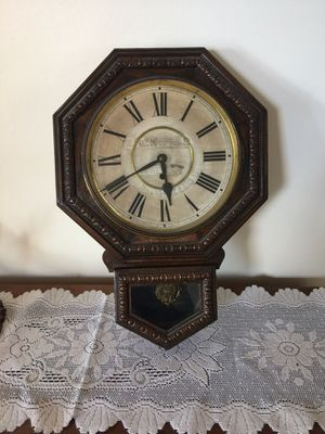 Antique working wall clock for Sale in Pittsburgh, PA