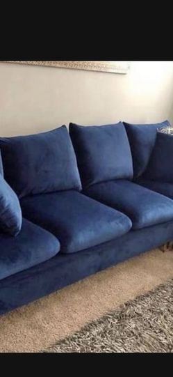Blue Velvet Chaise Sectional Great Condition for Sale in Nether Providence Township,  PA