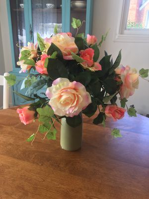 Gorgeous flower arrangement for Sale in North Potomac, MD