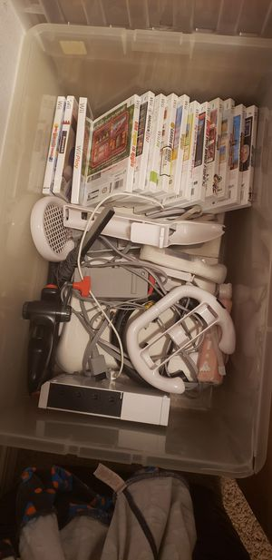 Wii console and games for Sale in Elma, WA