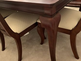 Beautiful Dining Table W/8 Chairs, Hutch And Buffet Cabinet for Sale in Lake Stevens,  WA