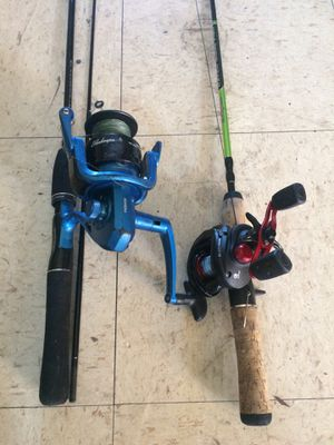 2 fishing rods for Sale in Miami, FL