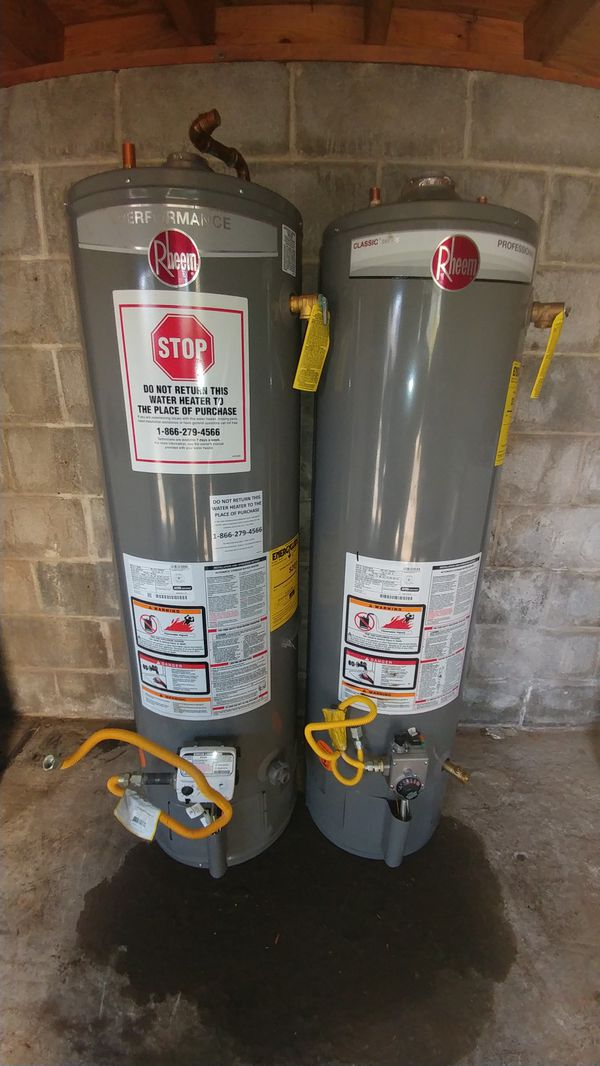 Two Hot water heater gas rheem 29 Gallons
