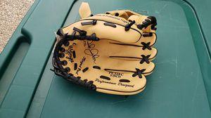 Rawlings kids baseball glove for Sale in Kent, WA