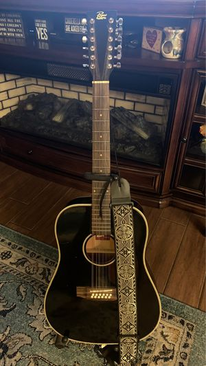 Requinto Guitarra, 12 string Guitar for sale! Very nice guitar with stand! for Sale in Phoenix, AZ