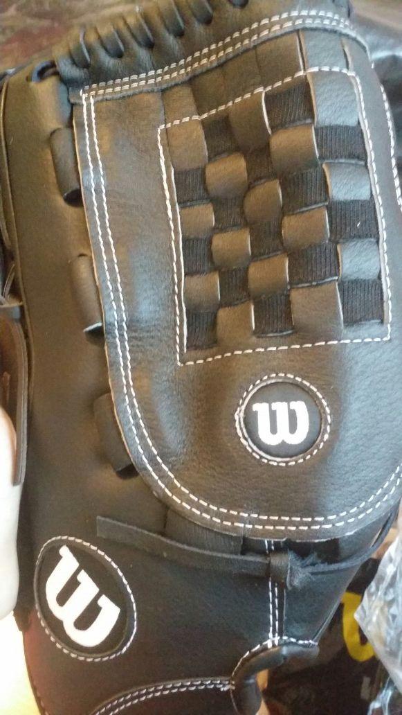 Wilson gloves official