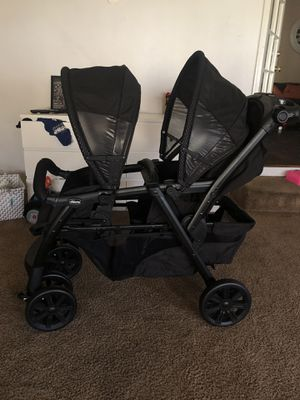 Chicco double stroller open box new never used for Sale in Los Nietos, CA