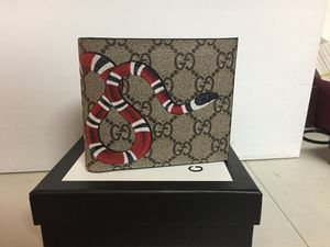 gucci brown monogram snake men's wallet for Sale in Queens, NY