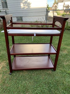 Graco Changing diaper table for Sale in Aurora, IL