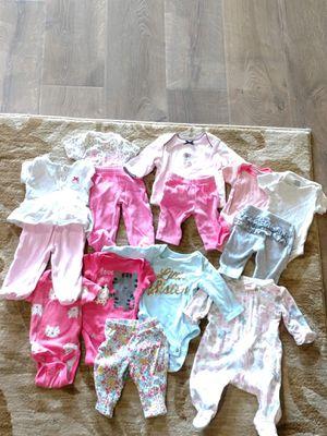 Newborn baby girl clothing bundle. for Sale in Gilbert, AZ