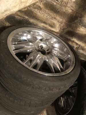 18 inch chrome rims for Sale in Albany, NY