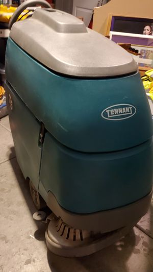 TENNANT T5 commercial scrubbing machine for Sale in Henderson, NV