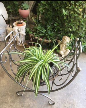 Log foldable metal tray. Or plant stand for Sale in Fresno, CA