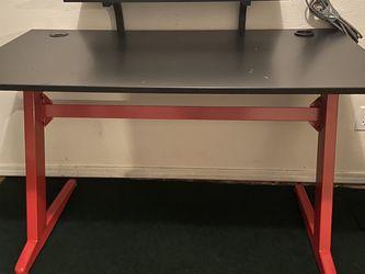 Desk for Sale in Yakima,  WA