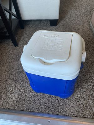Cooler for Sale in Fresno, CA