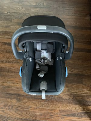 2018 Uppababy Mesa Infant Car seat w/ Base & Travel Bag for Sale in San Diego, CA
