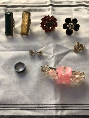 8 pretty accessories (6rings size 5-6 one Earring and one hair clip) very good condition all for $12 One of the Rings is a mood ring for Sale in Laguna Niguel, CA