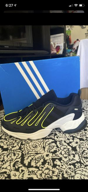 New tennis adidas GAZELLE for Sale in National City, CA