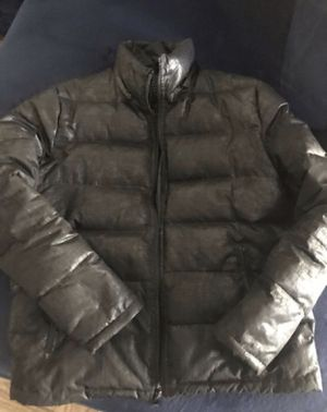 GUESS MENS BUBBLE COAT SIZE MEDIUM, BLACK COLORWAY NEED GONE TODAY for Sale in Lanham, MD